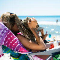 How To Treat A Sunburn: Moisturize While Skin Is Damp